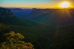 Zonsopgang bij het vooruitzicht van de govettssprong, blauwe bergen, Australië 70 stock afbeelding