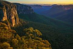 Zonsopgang bij het vooruitzicht van de govettssprong, blauwe bergen, Australië 69 royalty-vrije stock foto