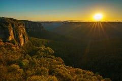 Zonsopgang bij het vooruitzicht van de govettssprong, blauwe bergen, Australië 80 royalty-vrije stock afbeeldingen