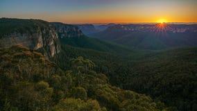 Zonsopgang bij het vooruitzicht van de govettssprong, blauwe bergen, 7 stock afbeelding