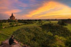Zonsopgang bij nyaung-U, Myanmar Birma royalty-vrije stock fotografie