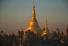 Zonsopgang bij pagode Shwedagon Stock Foto