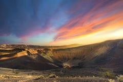 Zonsopgang bij Ubehebe-Krater Stock Afbeelding