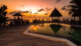 Zonsopgang bij Vier Seizoenentoevlucht de Maldiven in Kuda Huraa Stock Fotografie