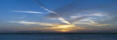 Zonsopgang boven het overzees. Stock Afbeeldingen