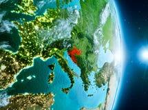 Zonsopgang boven Kroatië op aarde Stock Afbeelding