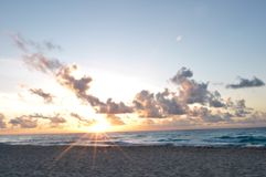Zonsopgang in Cancun Royalty-vrije Stock Afbeeldingen