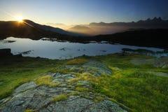 Zonsopgang in de alpen, Frankrijk Stock Afbeeldingen