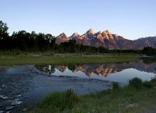 Zonsopgang in de bergen Royalty-vrije Stock Afbeeldingen