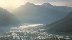 Zonsopgang in de Bergen van de Winter Stock Afbeeldingen