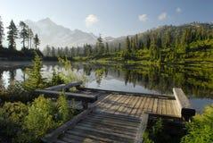 Zonsopgang in de Cascades van het Noorden Stock Afbeelding
