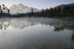 Zonsopgang in de Cascades van het Noorden Royalty-vrije Stock Foto's
