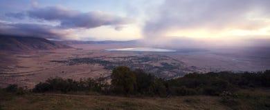 Zonsopgang in de Ngorongoro-krater Stock Foto's