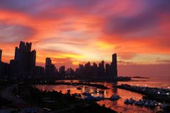 Zonsopgang in de Stad van Panama royalty-vrije stock afbeeldingen