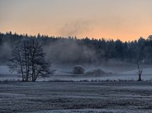 Zonsopgang in de vallei van Pegnitz-rivier royalty-vrije stock afbeeldingen