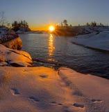 Zonsopgang in Ladoga skerries Karelië Rusland stock afbeelding