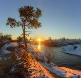Zonsopgang in Ladoga skerries Karelië Rusland royalty-vrije stock afbeelding