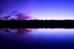 Zonsopgang langs de coumbiarivier stock afbeelding
