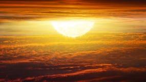 Zonsopgang Licht van hemel De achtergrond van de godsdienst Jesus in de hemel stock afbeelding