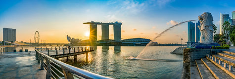 Zonsopgang in Marina Bay in Singapore stock afbeelding