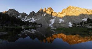 Zonsopgang in oostelijke Siërra de bergen van Nevada Stock Fotografie