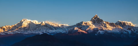 Zonsopgang op Annapurna-bergen - Himalayagebergte Royalty-vrije Stock Afbeelding
