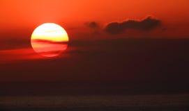 Zonsopgang op de Zwarte Zee. De Krim, de Oekraïne Stock Foto's