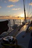 Zonsopgang op een zeilboot Stock Foto