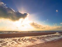 Zonsopgang op het strand Stock Foto