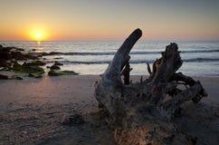 Zonsopgang op het strand in Pomorie-toevlucht Royalty-vrije Stock Afbeeldingen