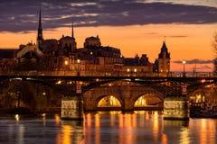 Zonsopgang op Ile DE La Cite, Parijs, Frankrijk Stock Fotografie