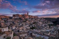 Zonsopgang op Matera in een duidelijke dag royalty-vrije stock afbeeldingen