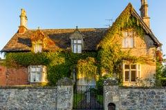 Zonsopgang op oud Engels huis Royalty-vrije Stock Afbeeldingen