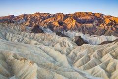 Zonsopgang op Zabriskie-Punt in het Nationale Park van de Doodsvallei, Californië, de V.S. Royalty-vrije Stock Foto's