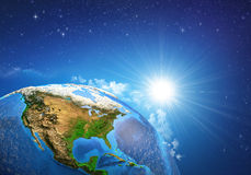 Zonsopgang over de Aarde royalty-vrije stock afbeeldingen