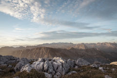 Zonsopgang over de Alpen Stock Foto's