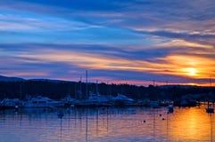 Zonsopgang over de haven van Maine Stock Foto