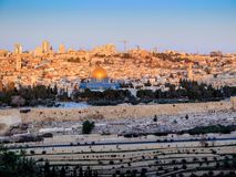 Zonsopgang over de oude stad - Jeruzalem Stock Foto