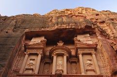 Zonsopgang over de Schatkist. Petra, Jordanië Royalty-vrije Stock Foto