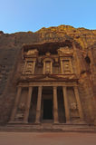 Zonsopgang over de Schatkist. Petra, Jordanië Stock Afbeeldingen