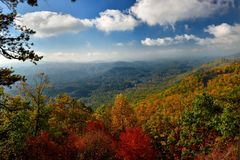 Zonsopgang over Great Smoky Mountains bij Piek van Autumn Color Royalty-vrije Stock Afbeelding