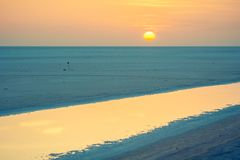 Zonsopgang over het grote zoute meer Chott Gr Jerid, de Sahara Royalty-vrije Stock Afbeelding