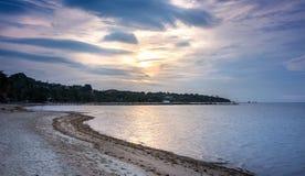 Zonsopgang over Lamai-strand, Samui-eiland in Thailand Royalty-vrije Stock Foto's