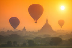 Zonsopgang over Oude Bagan Royalty-vrije Stock Fotografie