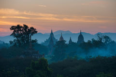 Zonsopgang over oude Bagan, Myanmar Royalty-vrije Stock Afbeelding