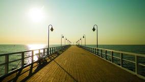 Zonsopgang over pijler in Gdynia, Polen royalty-vrije stock afbeeldingen