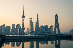 Zonsopgang over Shanghai Stock Afbeelding