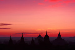 Zonsopgang over Tempels in Bagan, Myanmar Stock Afbeelding
