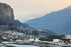 Zonsopgang over YuanYang-rijstterrassen in Yunnan, China, één van de recentste Unesco-Plaatsen van de Werelderfenis stock fotografie