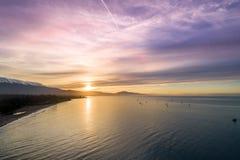 Zonsopgang in Santa Barbara, Californië Oceaan en Mooie hemel op Achtergrond stock afbeeldingen
